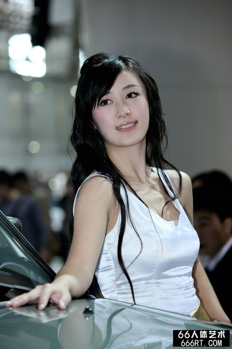 广州车展上的美丽嫩模
