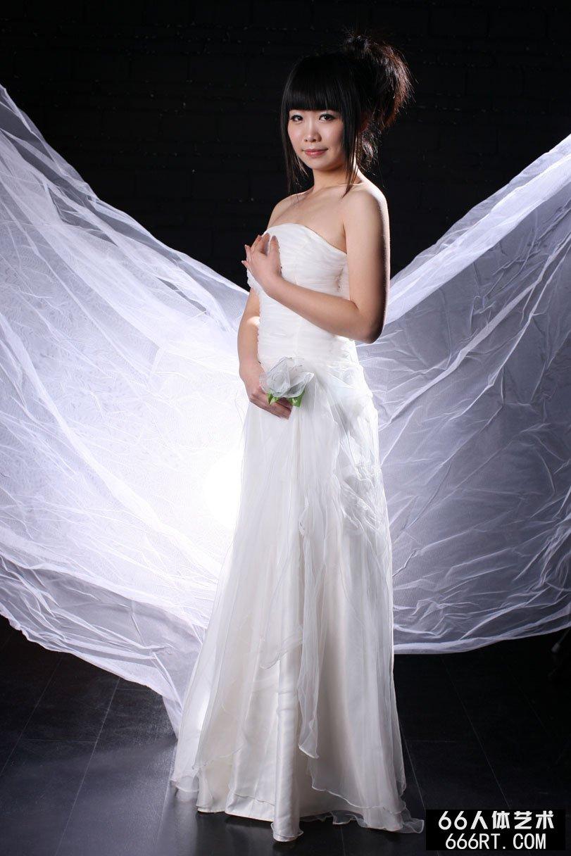 名模晶晶10年3月9日棚拍白纱裹体