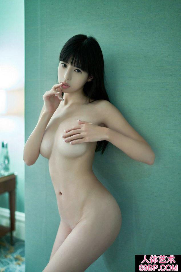 长头发靓女艾栗栗超唯美人体摄像