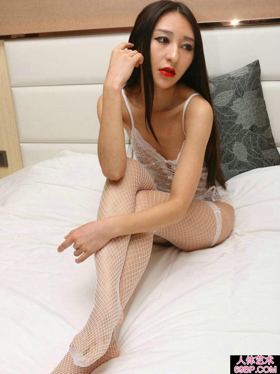 国模赵佳妮穿吊带袜美丽私拍人体照